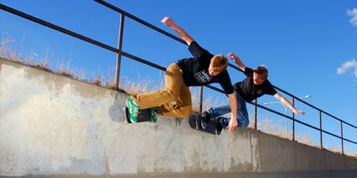 synced-skaters.jpg