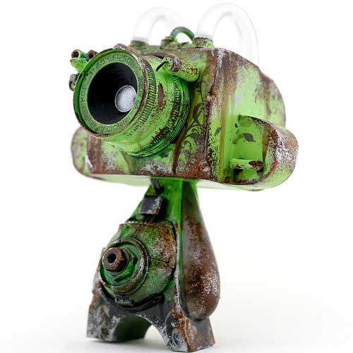 Observations Drone Vinyl/resin Figure by Cris Rose.