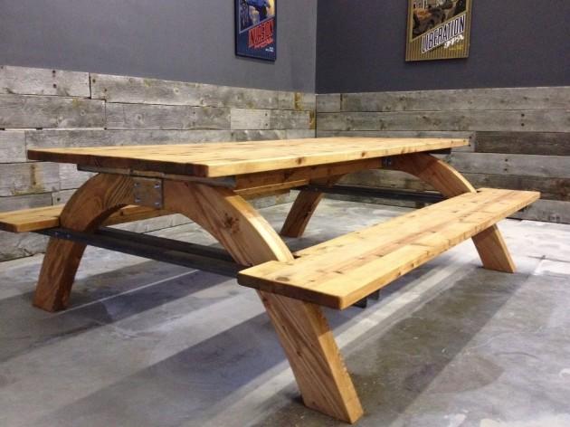 Picnoc-table-Brian-Camet