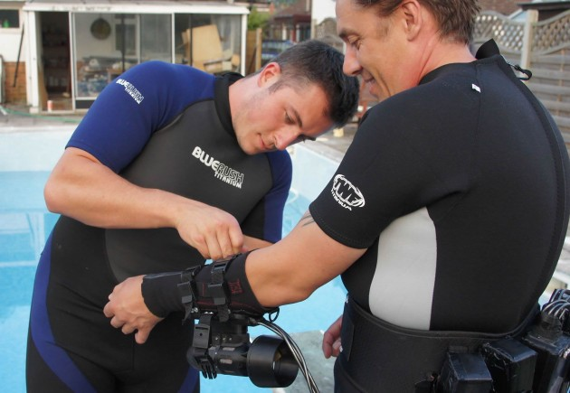 Fitting-x2-Underwater-Jet-Pack-System-2