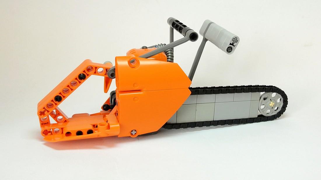 frantisek-hajdekr-lego-chainsaw-06