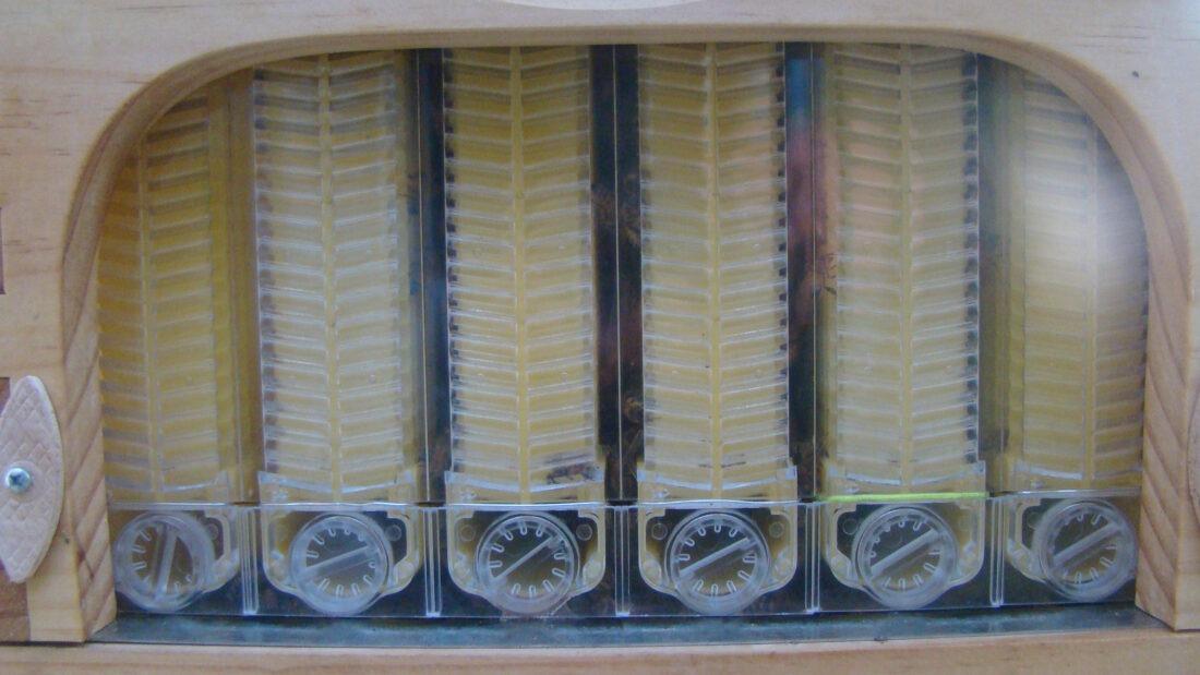 flow-hive-beekeeping-tap-02