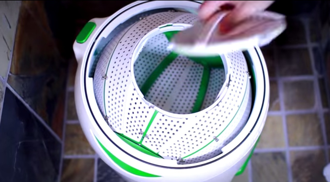 yrigo-drumi-foot-powered-washing-machine-04