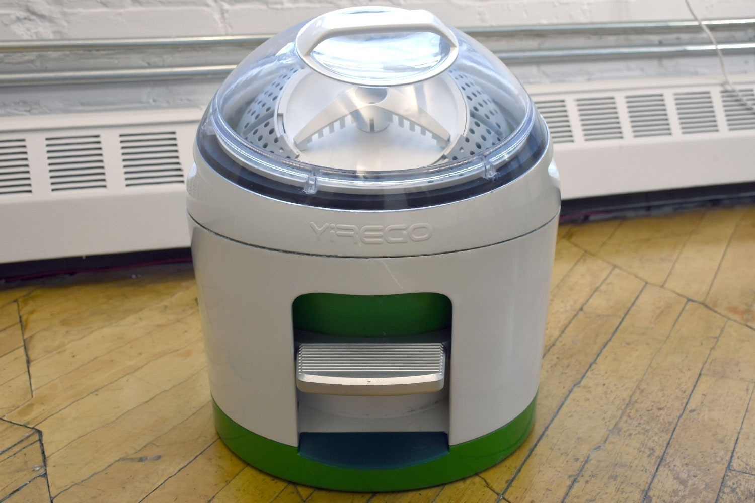 yrigo-drumi-foot-powered-washing-machine-05