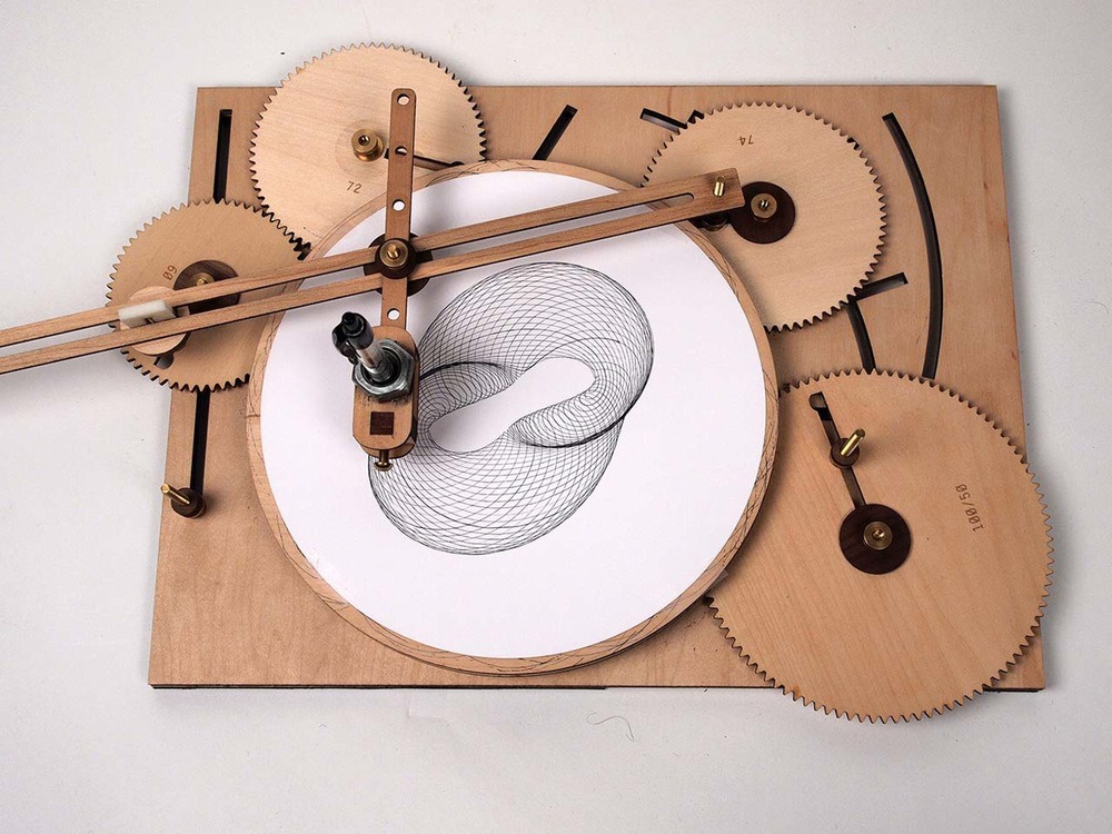 wood-cycloid-drawing-machine-03