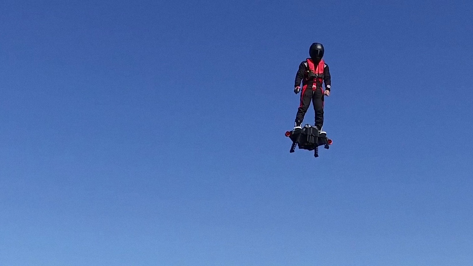 Real Working Hoverboard The Flyboard Air Is An Actual Hoverboard Powered By Four 250hp