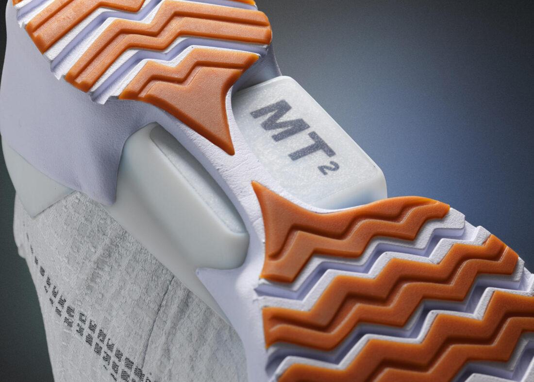 nike-hyperadapt-auto-lace-shoe-iot-02