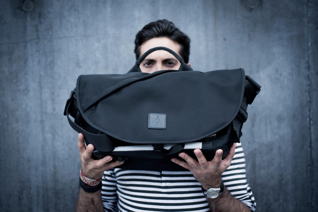 7ven-messenger-bag-solidsmack-01