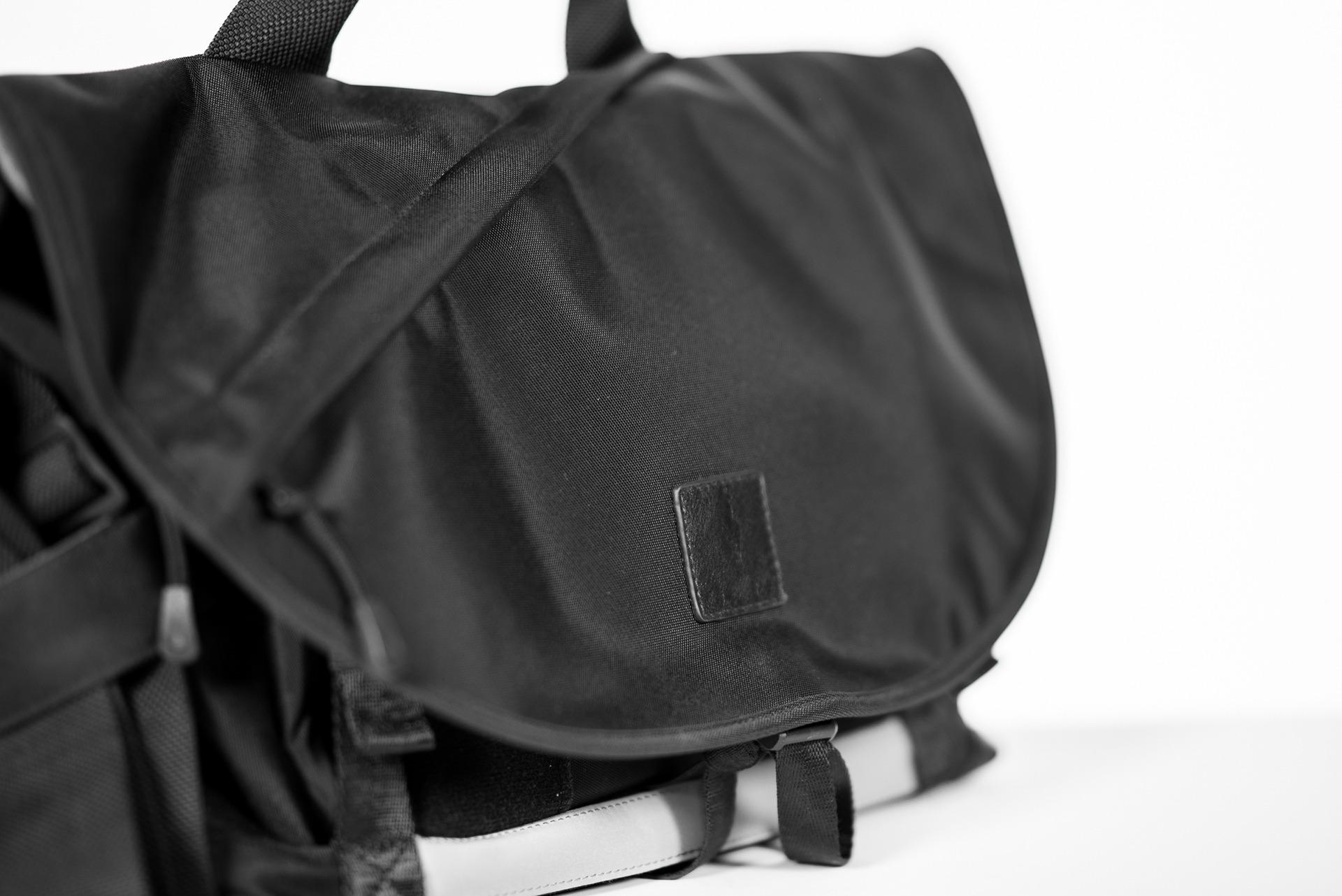 9c6e502a9d0 The ALPAKA 7ven Messenger Bag [Review] - SolidSmack