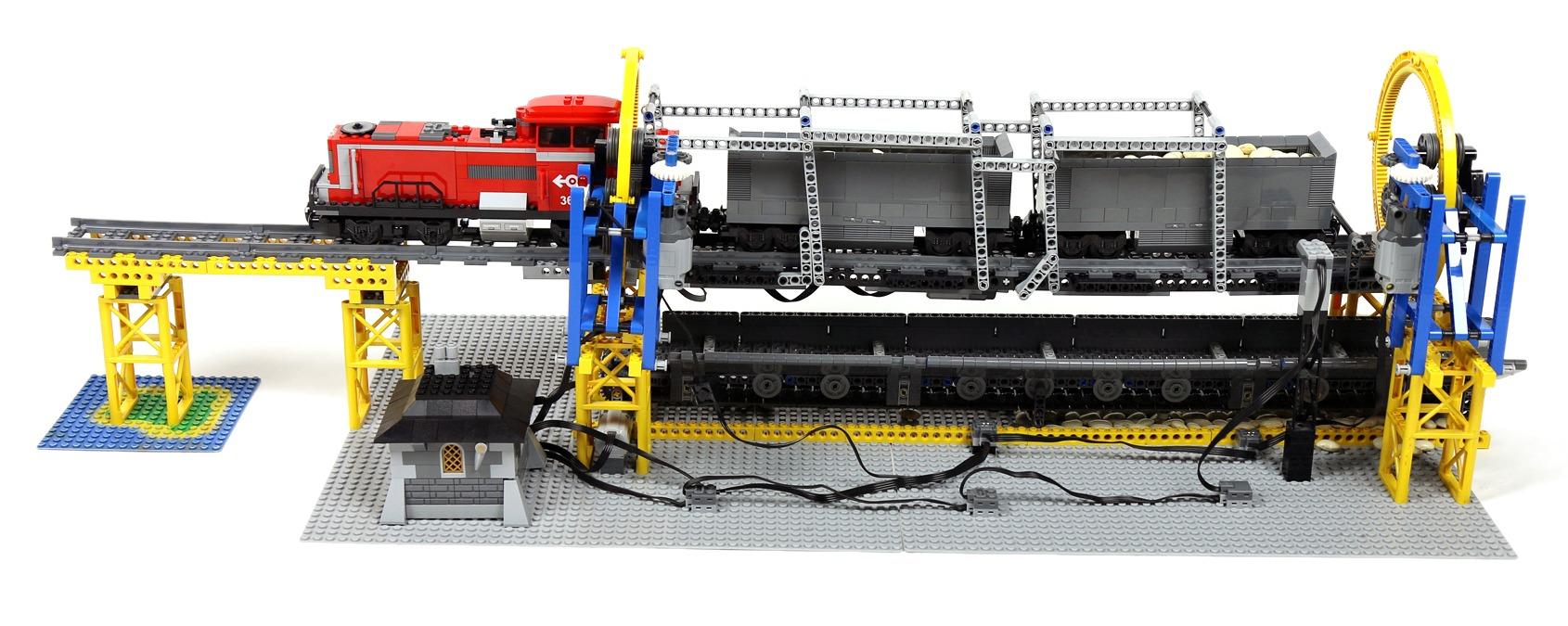 lego-train-rotary-dumper-02