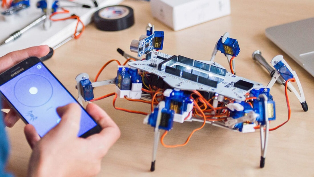 The STEMI Hexapod robot platform is a learning tool complete with video tutorials designed to introduce teens to the world of robotics.