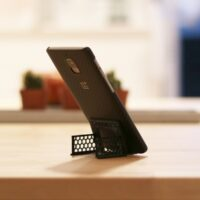 Model of the Week: Credit Card Mobile Phone Stand [Handy!]