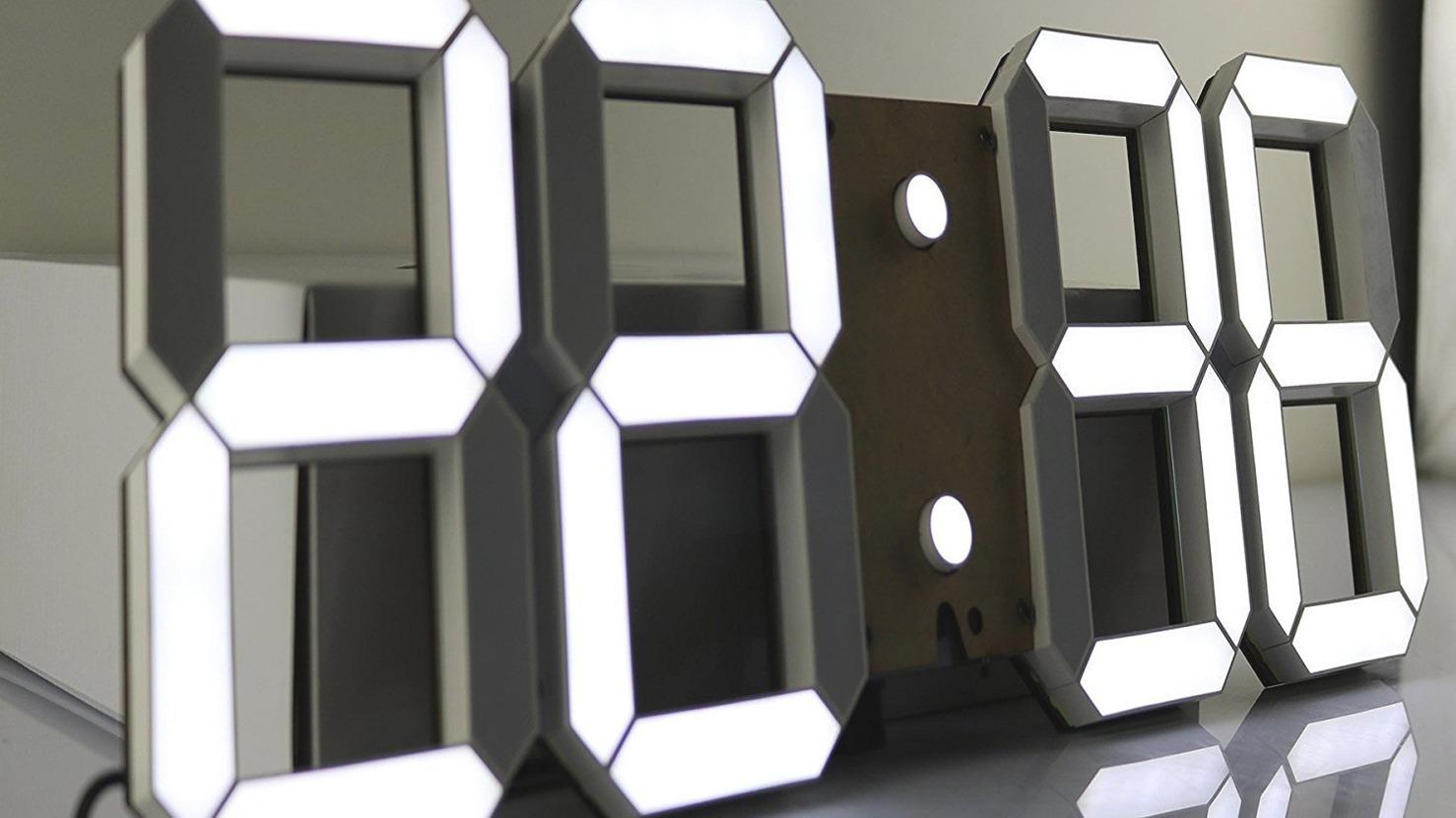 Cool tools of doom the pinty led digital wall clock Cool digital wall clock