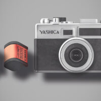 The Yashica Y35 Brings the Analog Film Experience to a Digital Camera