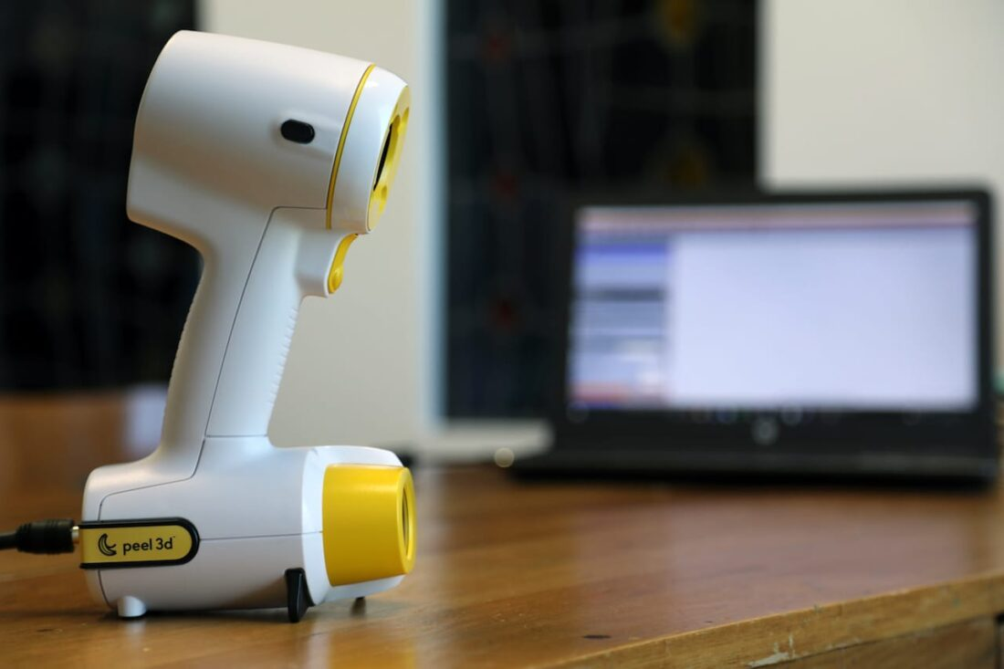 The handheld peel 3d scanner