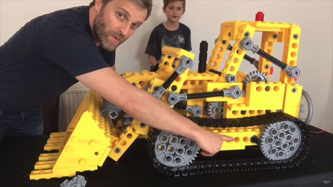 mantis-hacks-giant-3d-printed-lego-bulldozer