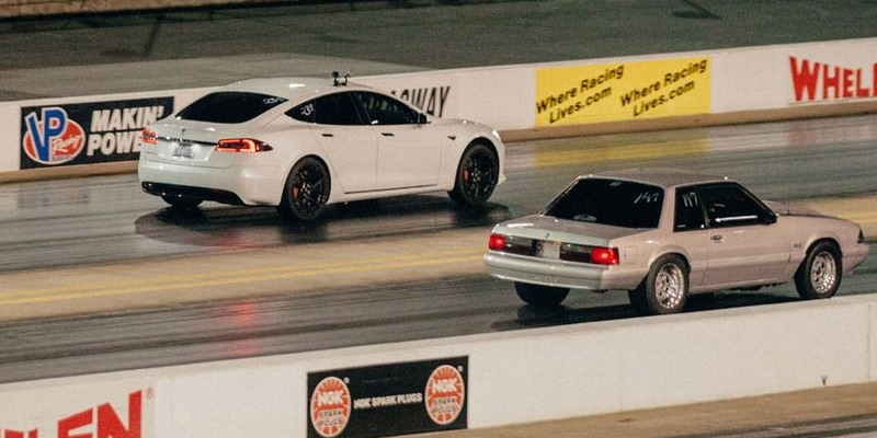 Teslas Go Drag Racing and Smoke the Combustion Faithful