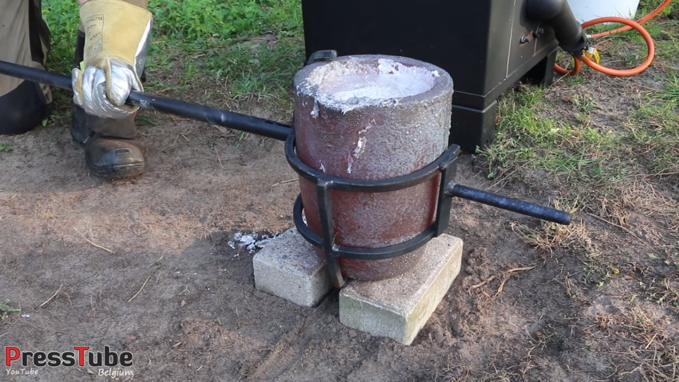 Molten Aluminum Wasp Nest
