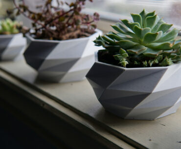 wide top 3d printed low poly planter