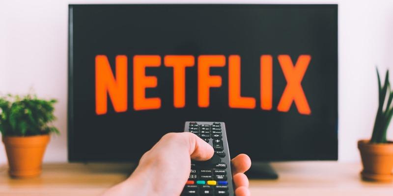 8 Reasons Why Apple Won't Buy Netflix