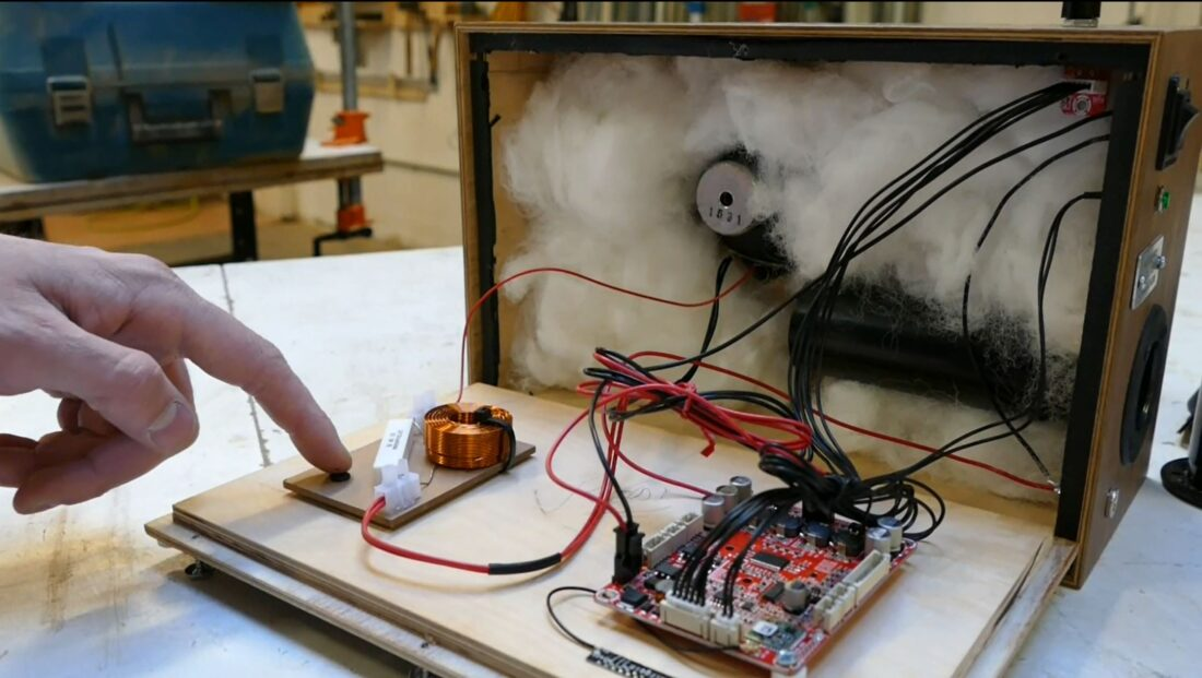 View of the speaker guts.