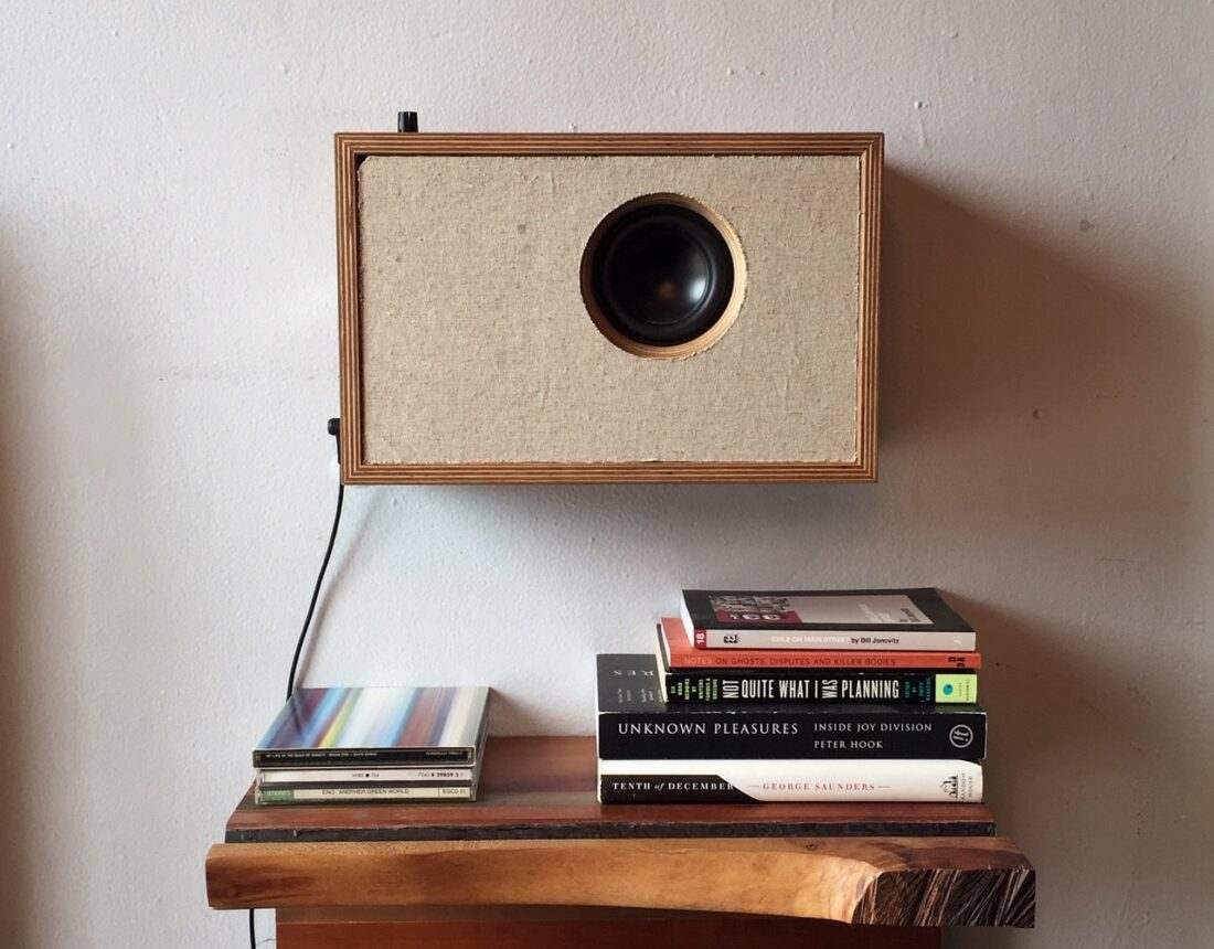 Finished wall-mounted Bluetooth speaker you can build yourself: single channel audio with 1 driver.
