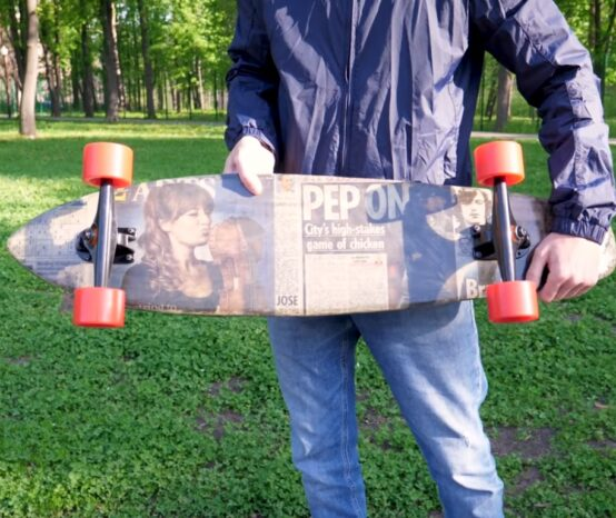 How to Form a Skateboard From Shredded Newspaper