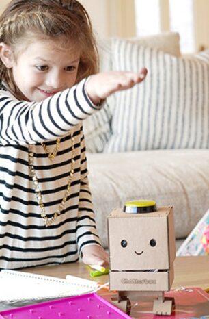 This DIY Smart Speaker Teaches Kids the Fundamentals of AI