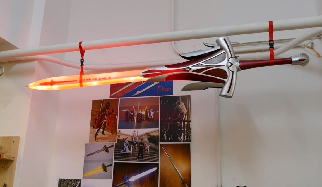 "Oriol ""Menteausente"" Fernandez's LED-filled sword prop creation. An example of the props made at ""MAking props""."