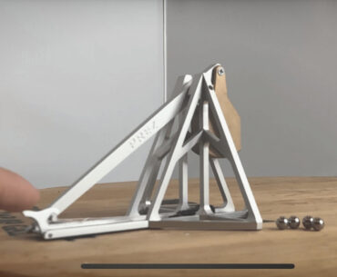 Desktop Catapult