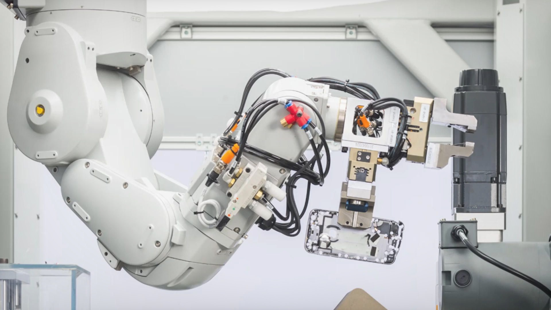Apple Manufacturing Robot