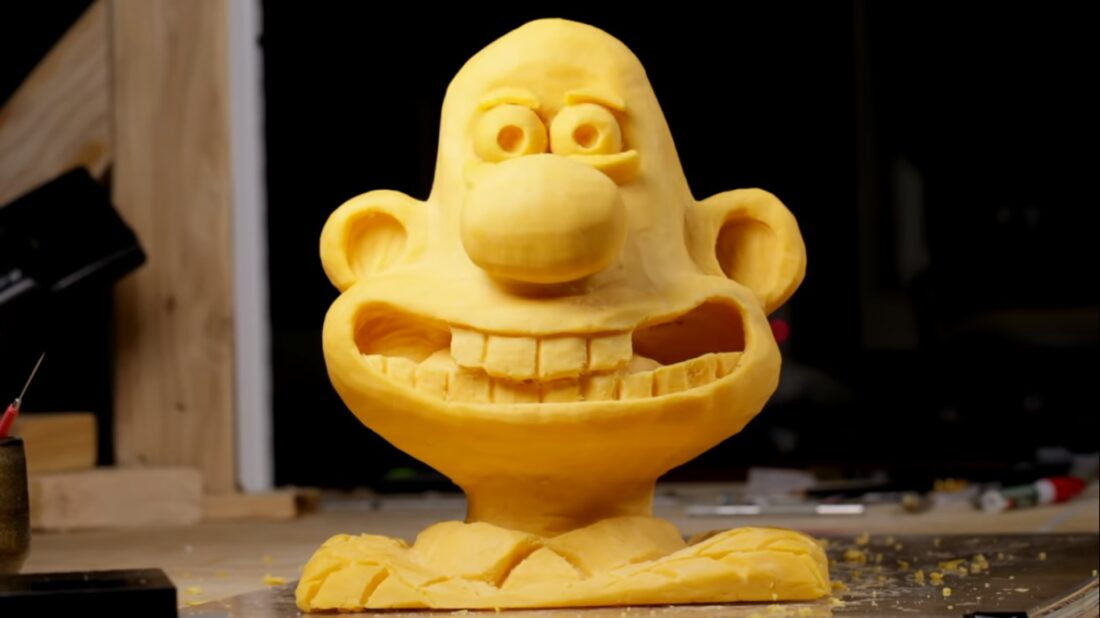 wallace and gromit cheese sculpture