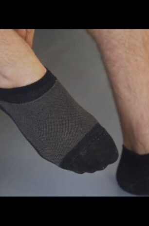 A Better Sock Design Cools Feet and Prevents the Stink